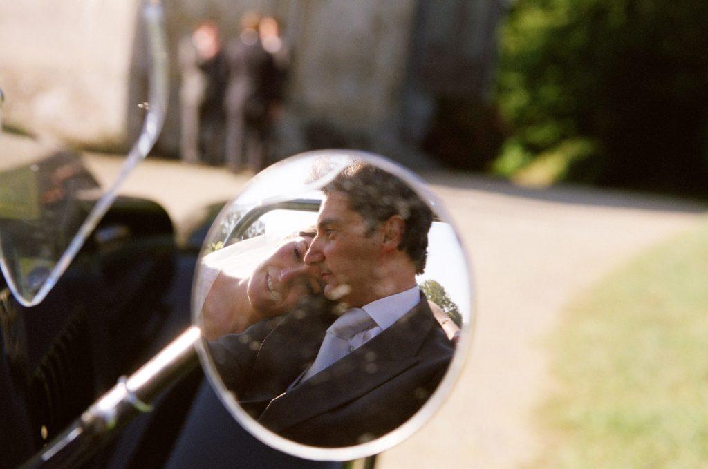 photo-reportage-mariage-nantes-voiture