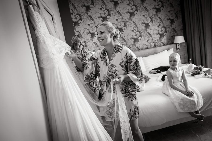 Jenna & Shelley_same sex wedding Provence_007