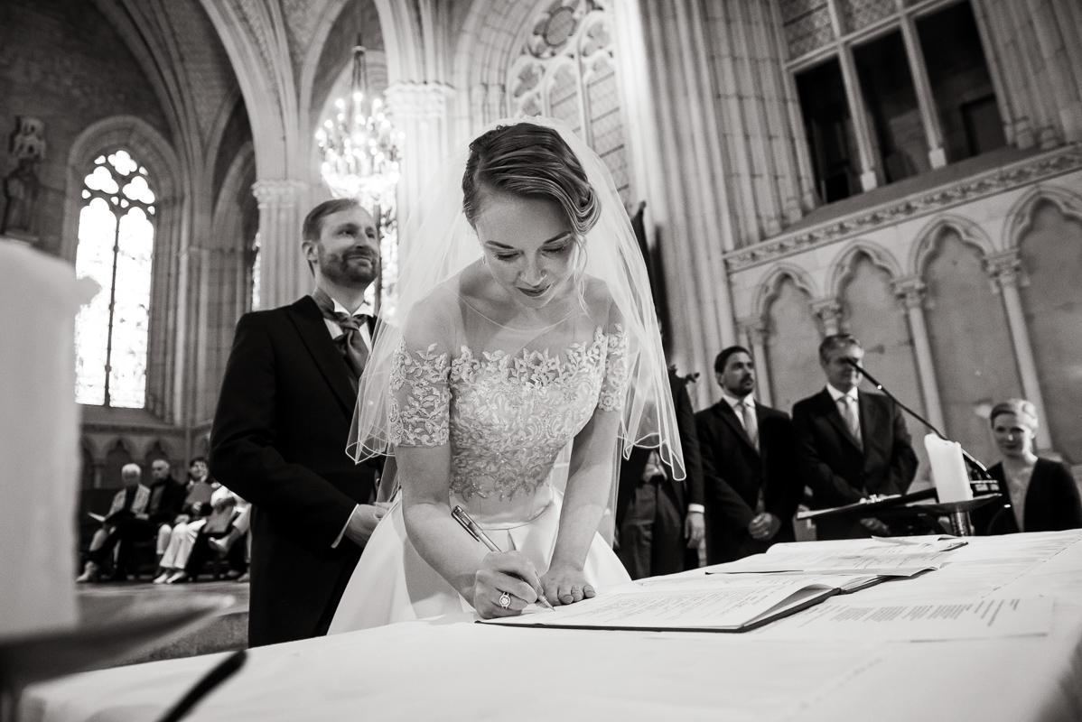 S & B, chateau de vair, Loire valley wedding-photo Tim Fox